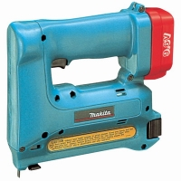 Аккумуляторный степлер Makita T 221 DW